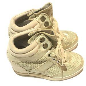 Aldo Wedge Sneaker Cream and Metallic Gold Size 7